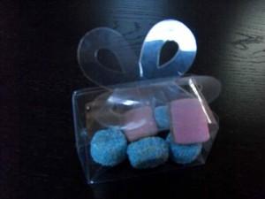 Cutiute plastic pentru bomboane