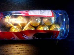 Cutii pentru bomboane cutii cilindrice bomboane Cutii cilindrice bomboane ambalaje plastic cadouri bomboane 1043 4 300x225