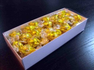 Cutii cu aviz alimentar pentru bomboane