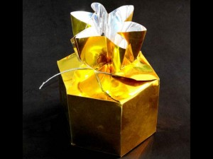 Cutii pentru bomboane cutii aurii bomboane Cutii aurii bomboane cutie plastic bomboane 683 1 300x225