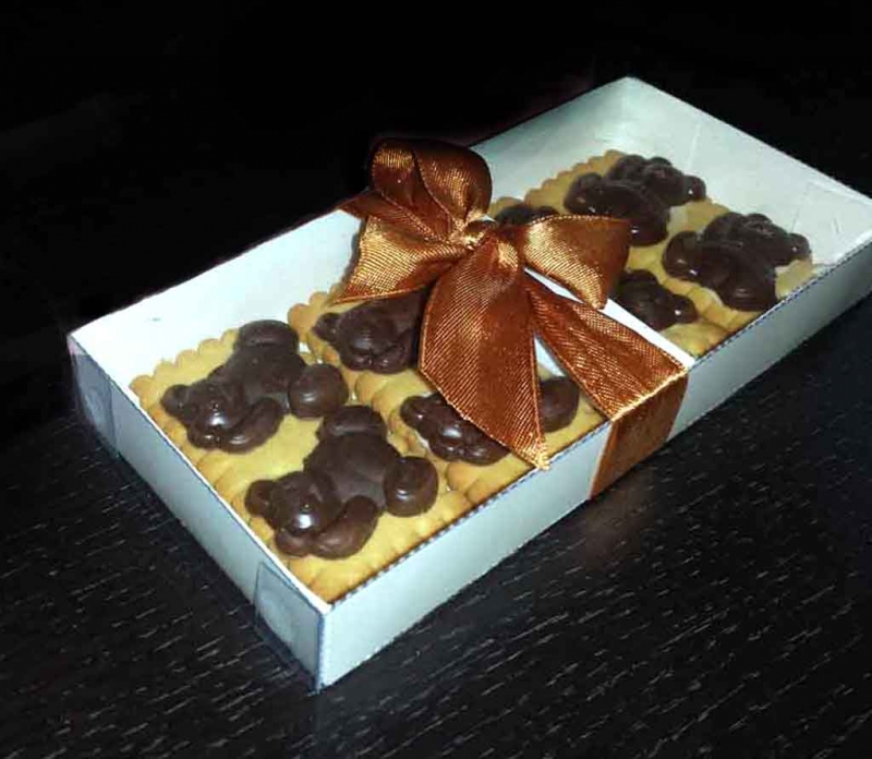cutii biscuiti ciocolata