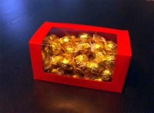 Cutii pentru bomboane cutii cu fereastra bomboane preambalate Cutii cu fereastra bomboane preambalate cutii carton colorat pentru bomboane 966 5 300x221