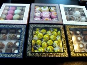 Cutii cu capac pentru bomboane