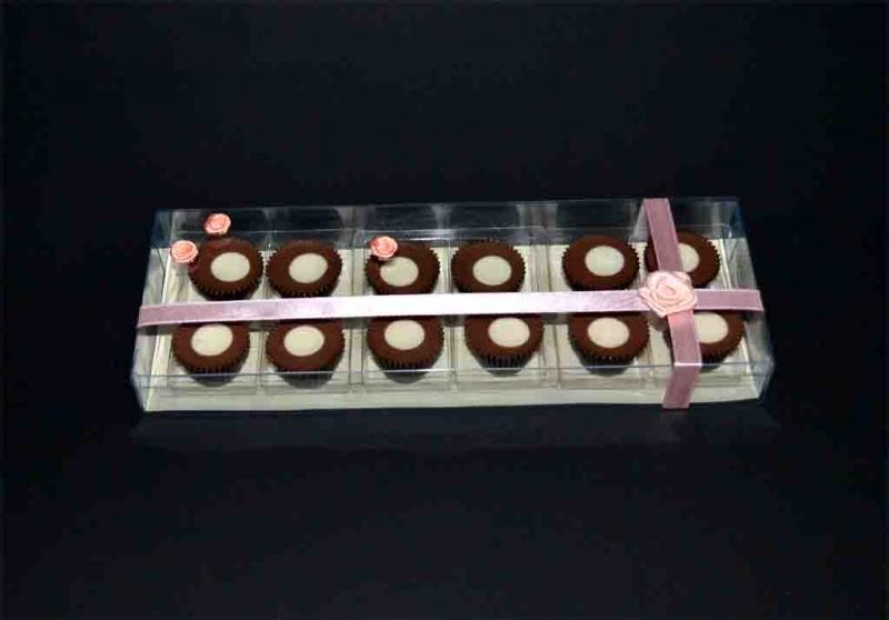 cutii cu capac 12 bomboane