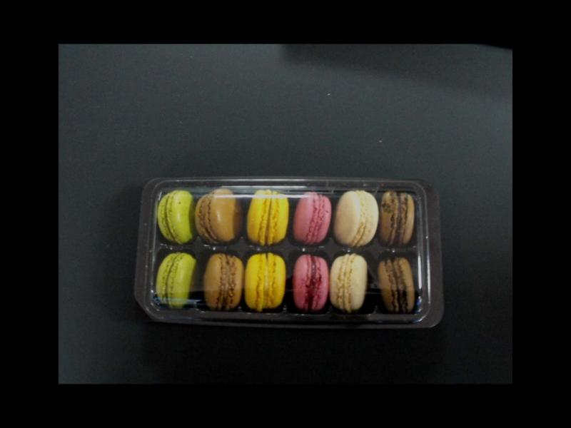 caserole 12 macarons