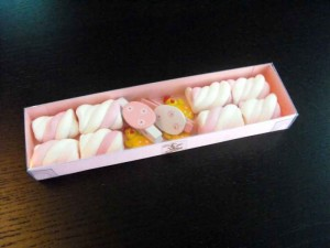 Cutii pentru marshmallow cutii figurine marshmallow Cutii figurine marshmallow cutie carton figurine marshmallow personalizate paste 1110 1 300x225