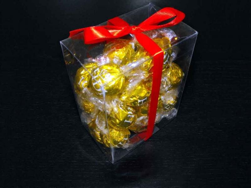 cutii plastic bomboane