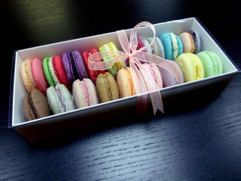 Cutii Pentru Macarons cutii pentru macarons Cutii pentru macarons cutii carton pentru 18 macarons 1446 1