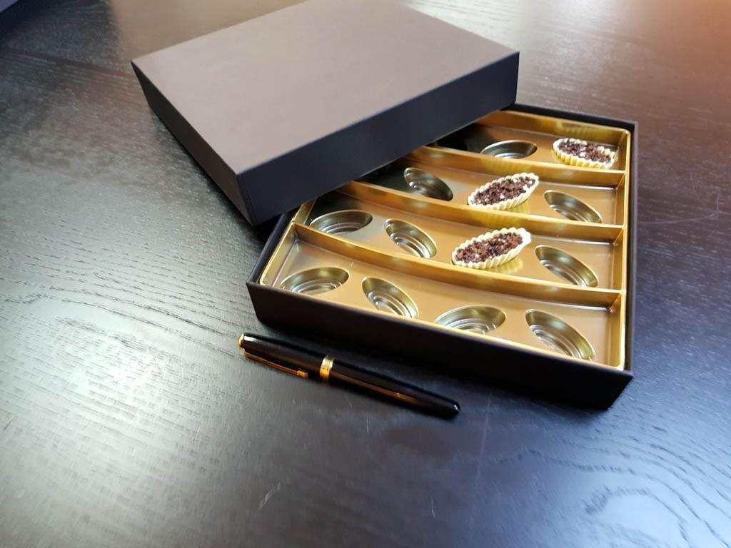 Cutie rigda cu capac pentru praline - 2