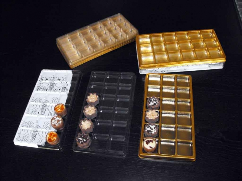 chese aurii 18 praline chese aurii 18 praline Chese aurii 18 praline chese universale cu 18 alveole pentru bomboane 1471 4