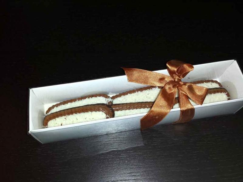 cutii biscuiti carton alb