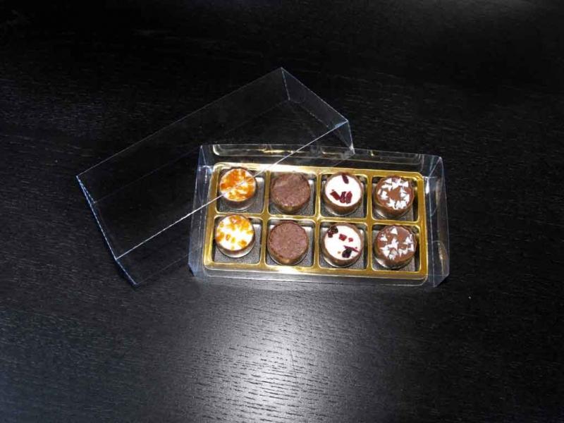 Cutii chese aurii praline cutii chese aurii praline Cutii chese aurii praline cutii plastic cu chesa aurie pentru 8 praline 1418 1