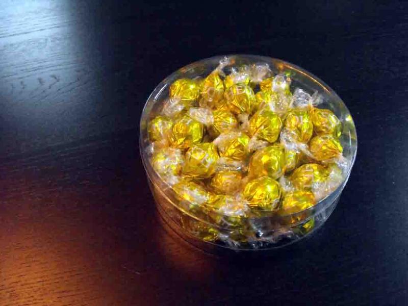 Cutii rotunde pentru bomboane