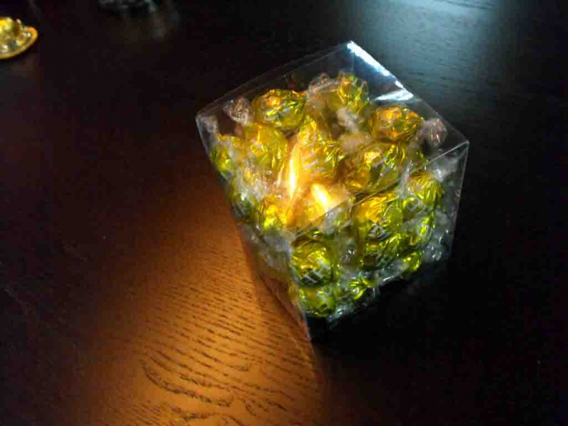Cutii plastic bomboane preambalate