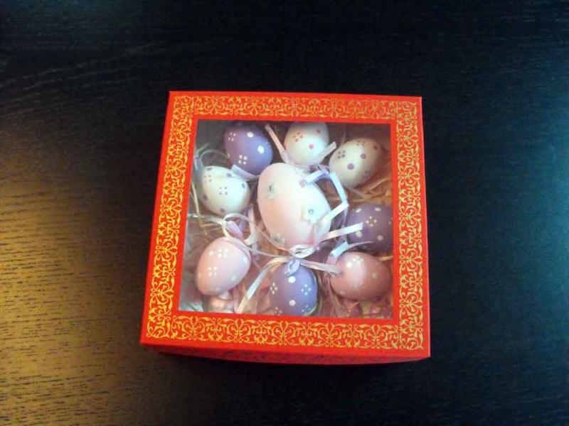 Cutii cu fereastra pentru oua de ciocolata