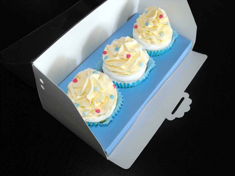 Ambalaje prajituri cutii cu insert trei cupcakes Cutii cu insert trei cupcakes cutii carton cu insert pentru 3 cupcakes 1596 41