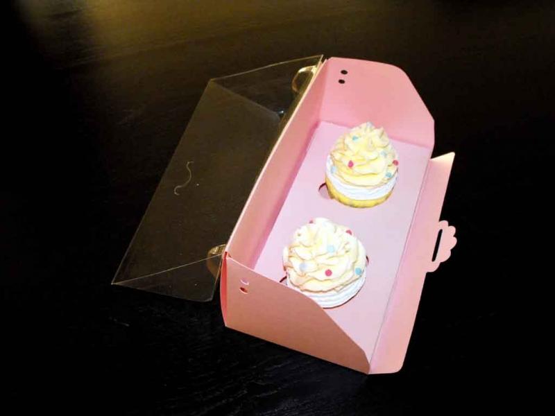 Ambalaje prajituri cutii cu insert trei cupcakes Cutii cu insert trei cupcakes cutii carton pentru doua trei cupcakes 1408 12