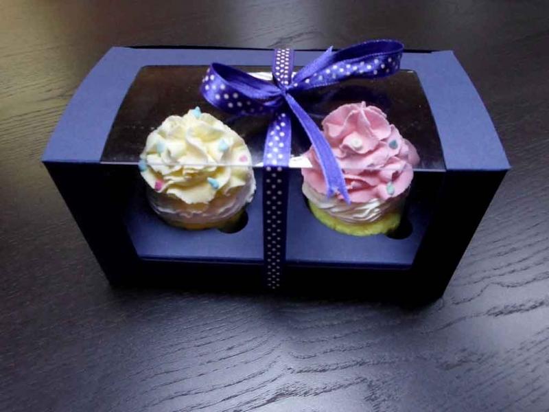 Cutii doua cupcakes cutii doua cupcakes Cutii doua cupcakes cutii din carton cu fereastra pentru 2 cupcakes 1457 2
