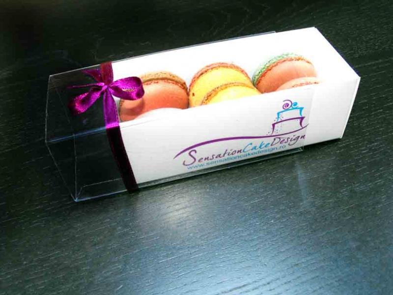 Cutii inscriptionate pentru macarons