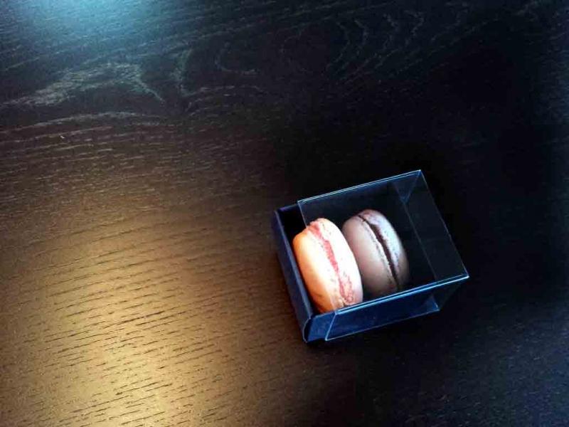Cutiute din carton pentru doua macarons