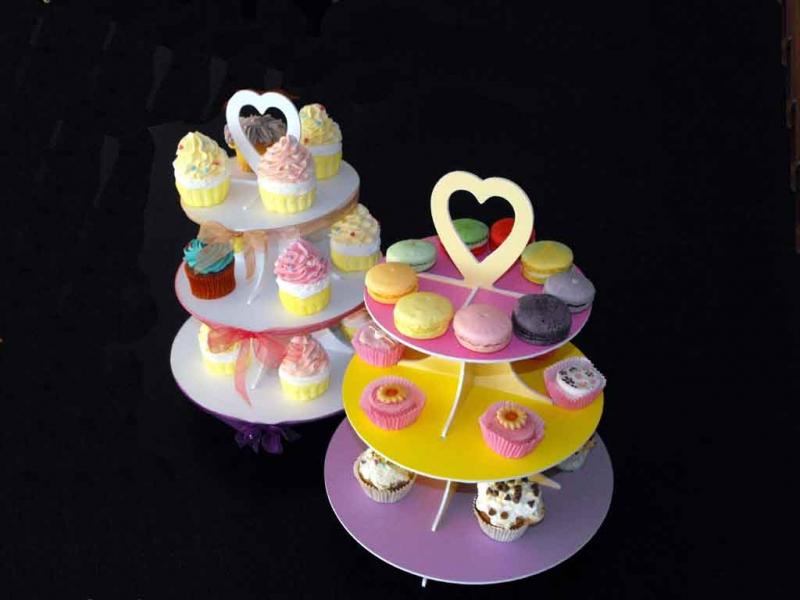 standuri-pentru-prezentare-cupcakes-macarons-miniprajituri-1558-9