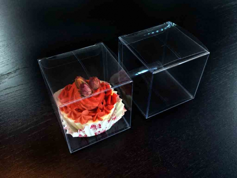 ambalaje cofetarii - cutii plastic briose