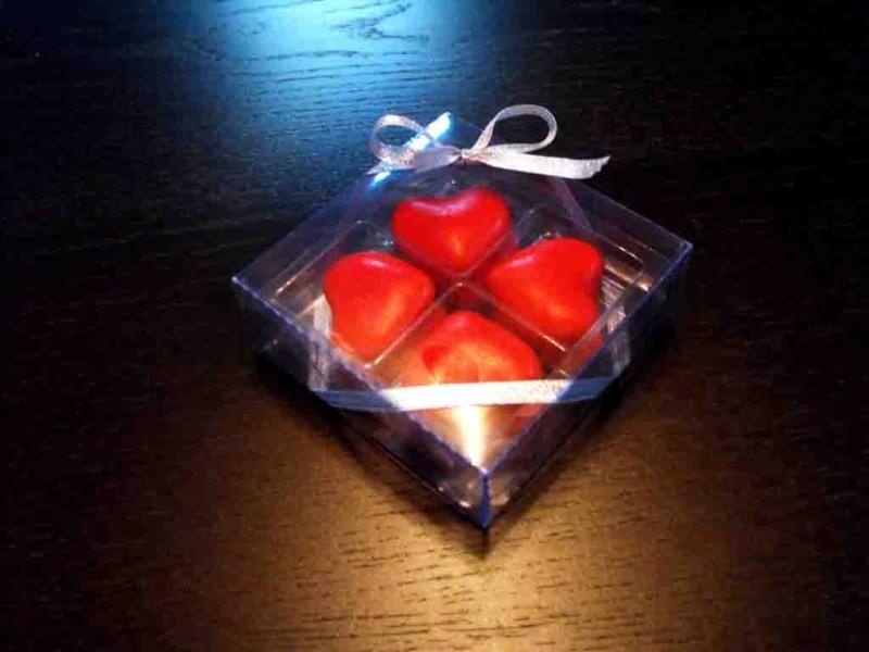 cutiute pentru 4 bomboane de ciocolata