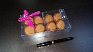 Cutie cu chese pentru 8 bomboane