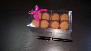 cutie cu chese Cutie cu chese pentru 8 bomboane 333 2 1 300x169
