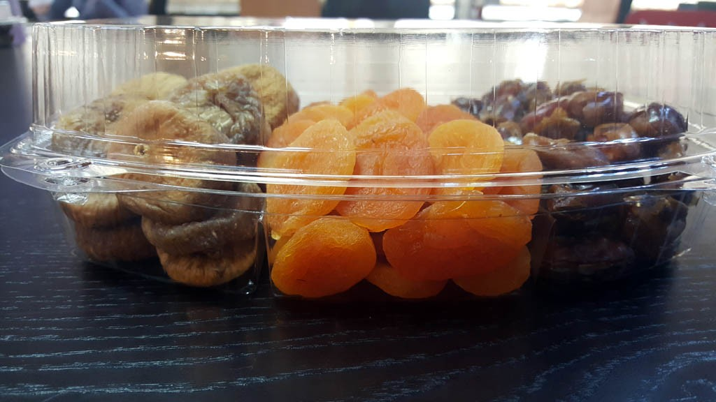 caserola cu 3 compartimente Caserola cu 3 compartimente pentru fructe uscate si seminte (model Elegance 4121) 2 5 1024x576