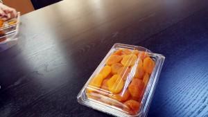 caserola cu capac din plastic transparent Caserola cu capac din plastic transparent pentru fructe uscate (model 4097) 4 3 300x169