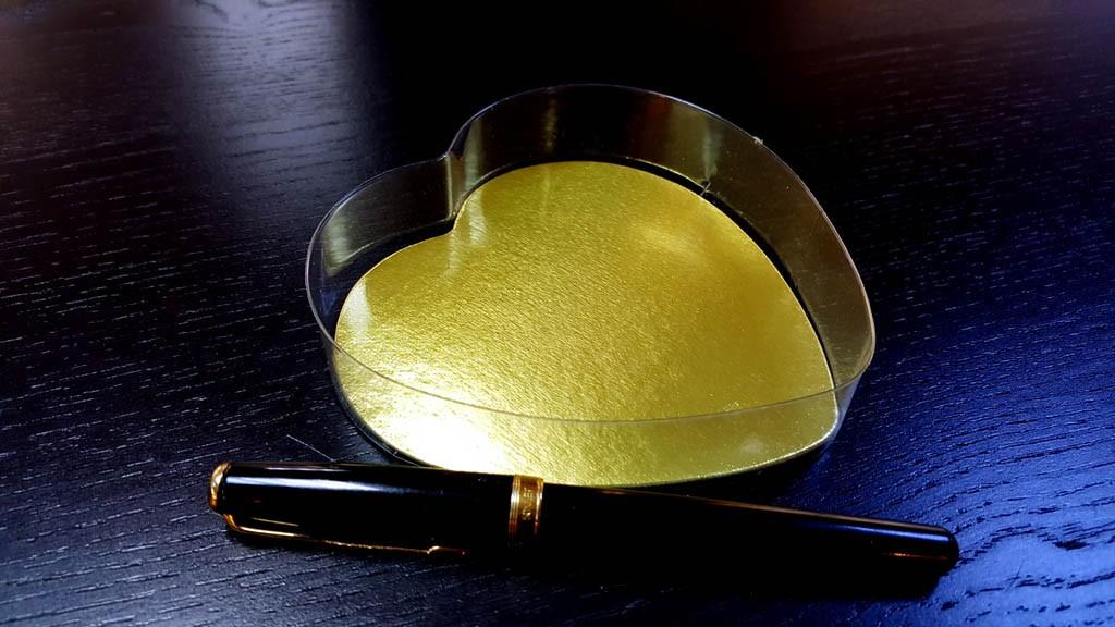 caserola Caserola in forma de inima pentru bomboane Caserola in forma de inima pentru bomboane 1 1024x576