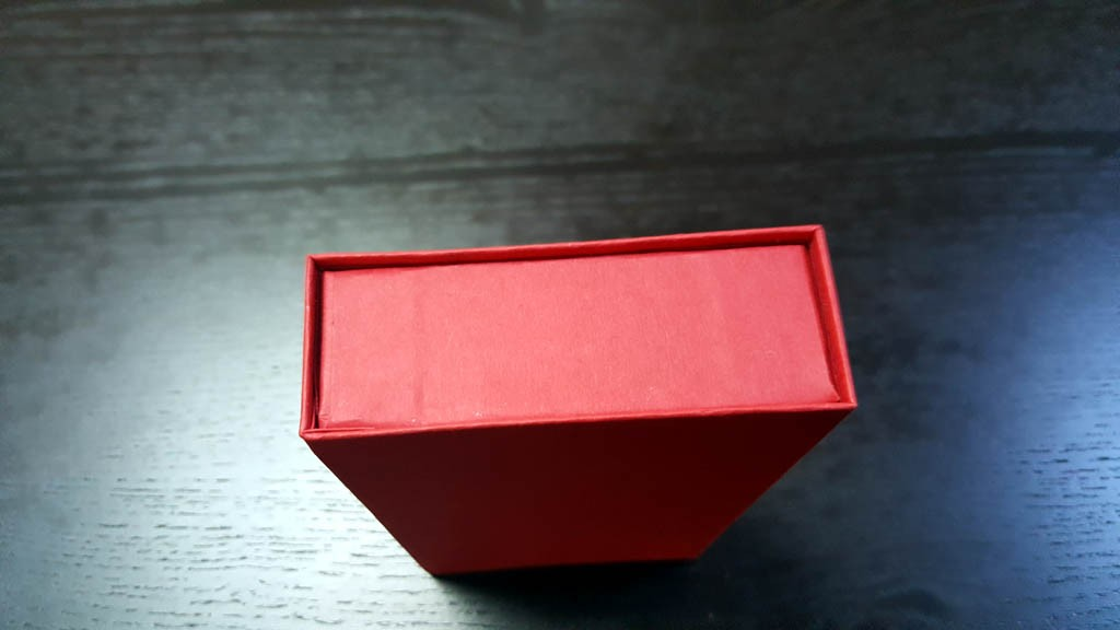 cutie rigida cu magnet pentru praline Cutie rigida cu magnet pentru praline / bomboane Cutie rigida pentru praline cu magnet 6 1024x576