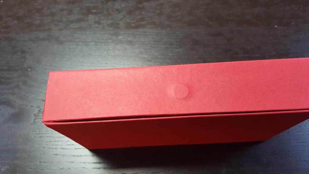 cutie rigida cu magnet pentru praline Cutie rigida cu magnet pentru praline / bomboane Cutie rigida pentru praline cu magnet 7 1024x576