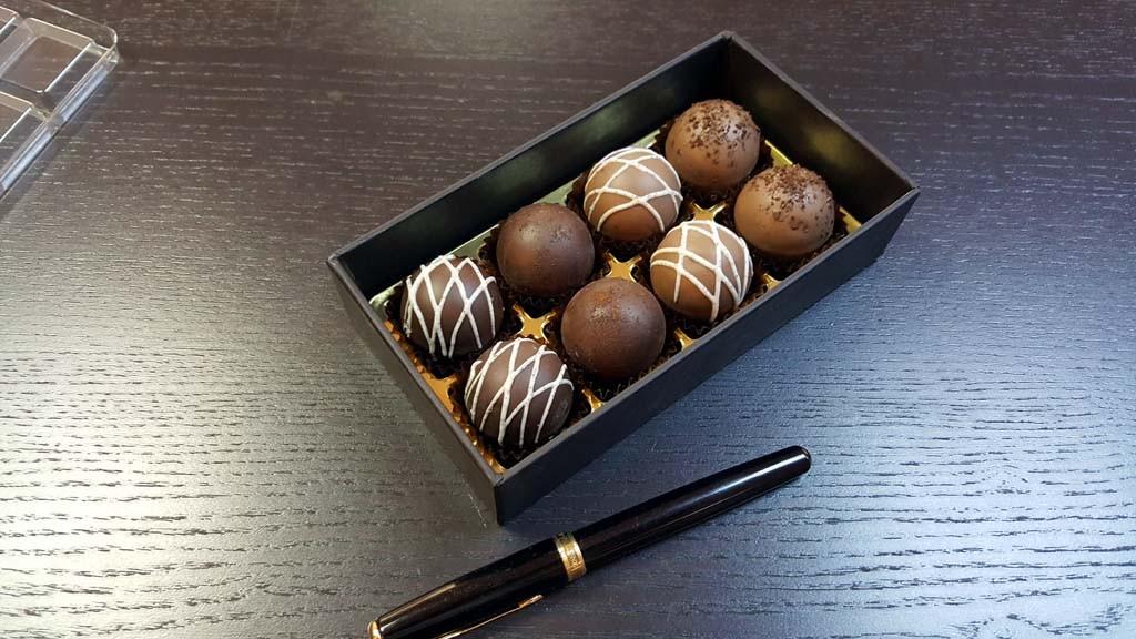 cutie pentru 8 bomboane Cutie pentru 8 bomboane Cutie pentru 8 bomboane 6 1024x576