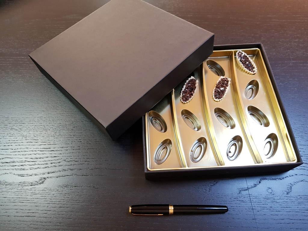 cutie rigda Cutie rigda cu capac pentru praline Cutie rigda cu capac pentru praline 1 1 1024x768