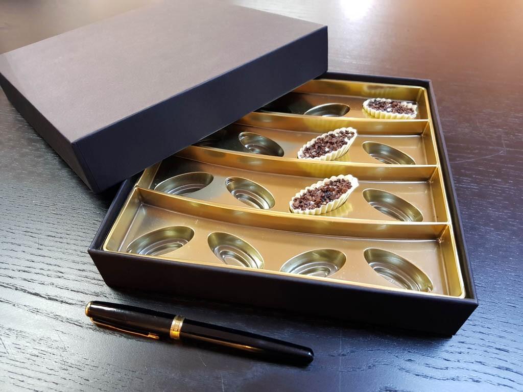 cutie rigda Cutie rigda cu capac pentru praline Cutie rigda cu capac pentru praline 3 1024x768