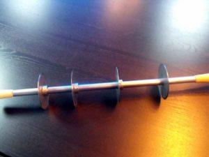 Dispozitiv cu discuri de taiere (cutite) pentru industria ciocolatei. Dispozitiv cu discuri de taiere (cutite) pentru industria ciocolatei dispozitiv cu discuri taiere tablete din ciocolata 1066 2 300x225
