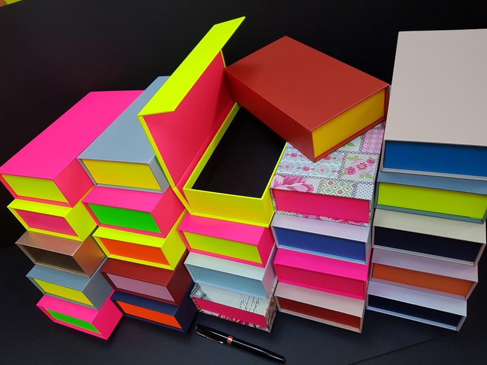 Cutii colorate cu magnet (model 6081) (14)